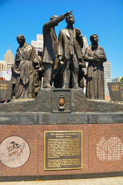 Gateway to Freedom StatueWebLG